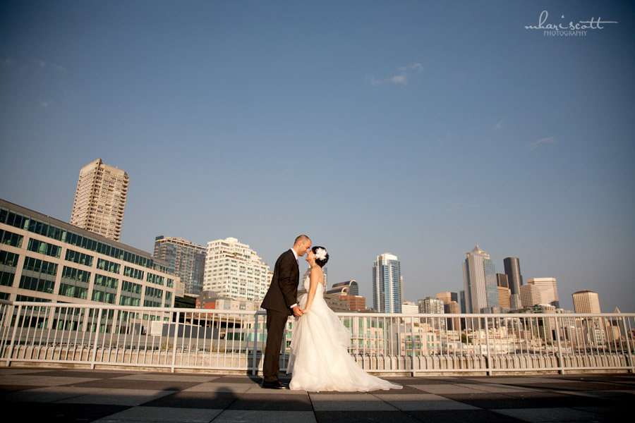 Minna and andrei at the bell harbor world trade center seattle and minna and andrei at the bell harbor world trade center seattle and portland wedding photography junglespirit Images